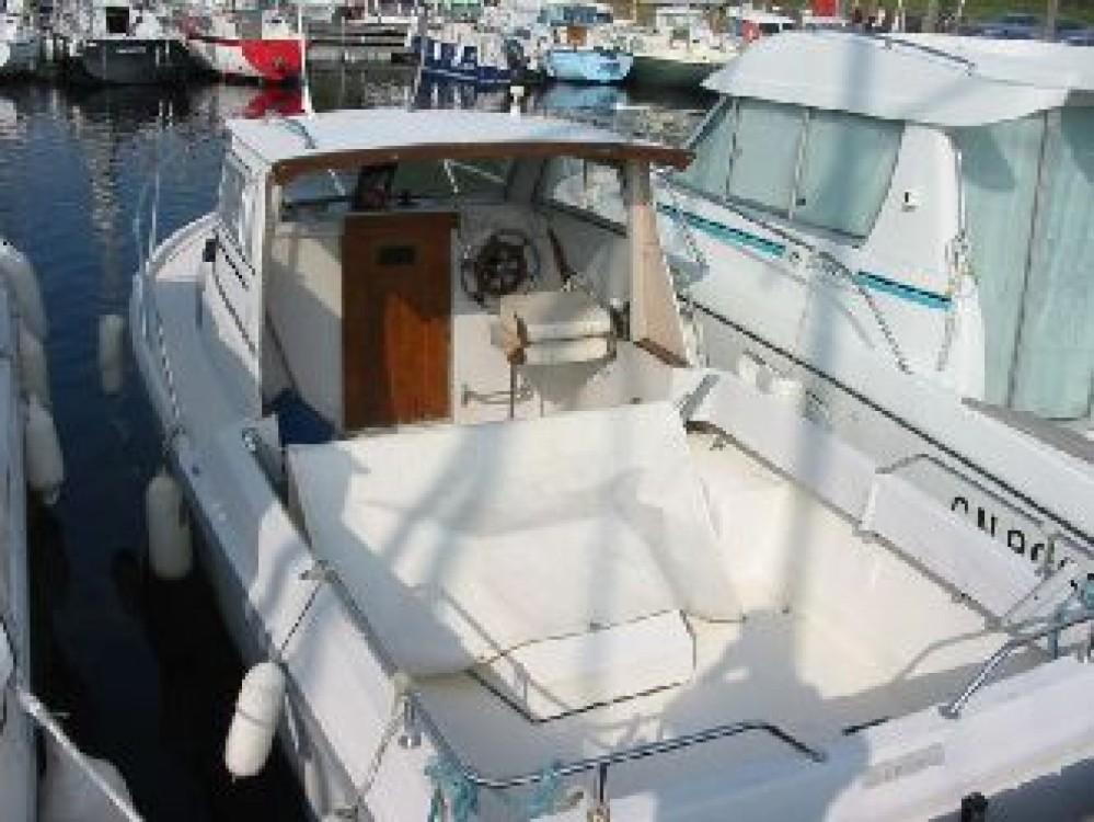 Rental Motor boat in Dunkerque - Jeanneau Lamparo