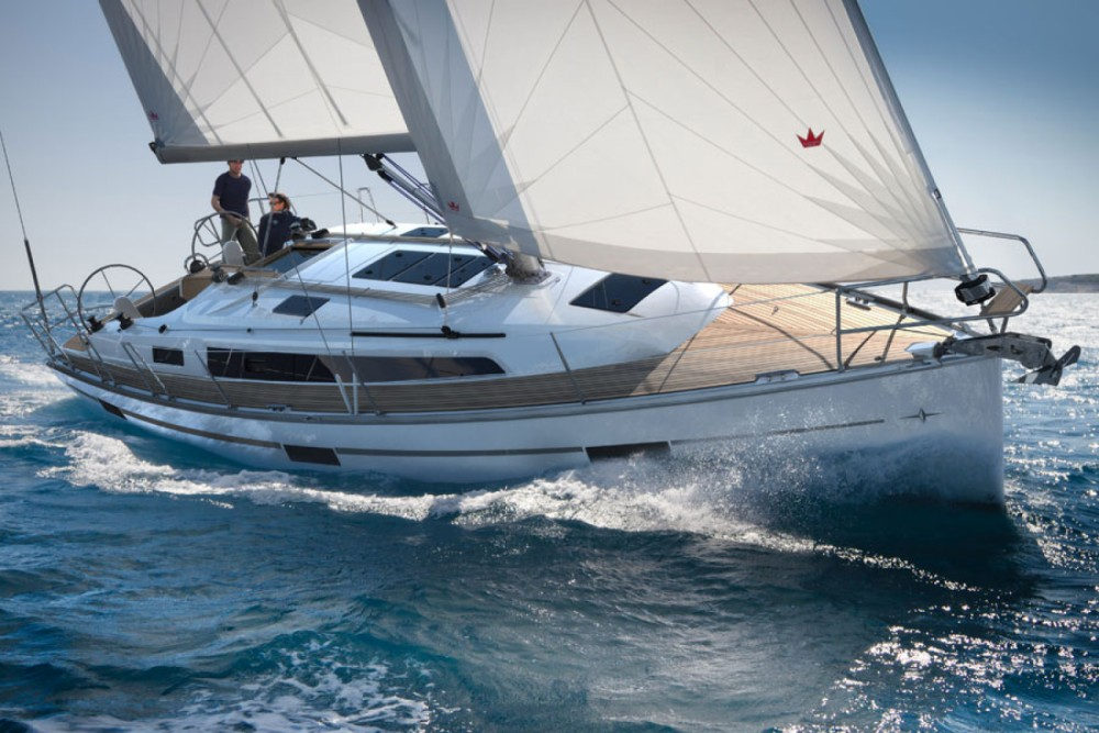 Boat rental Bavaria Cruiser 37 in Attica on Samboat