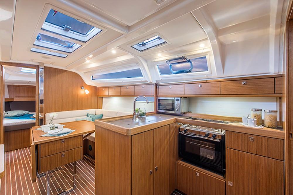 Rental yacht Attica - Bavaria Cruiser 37 on SamBoat