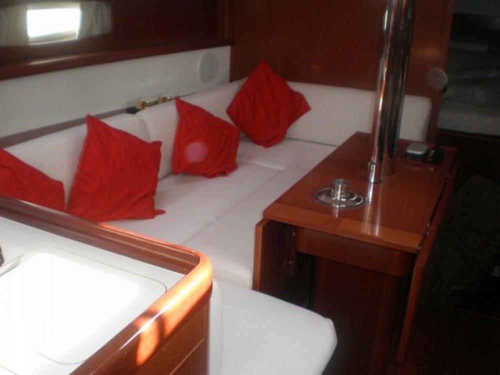 Rental yacht Attica - Bénéteau Oceanis 34 on SamBoat