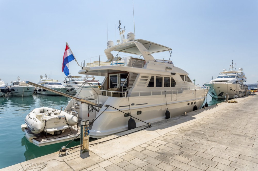 Hire Motor boat with or without skipper Moonen Shipyards Holland Marina LAV