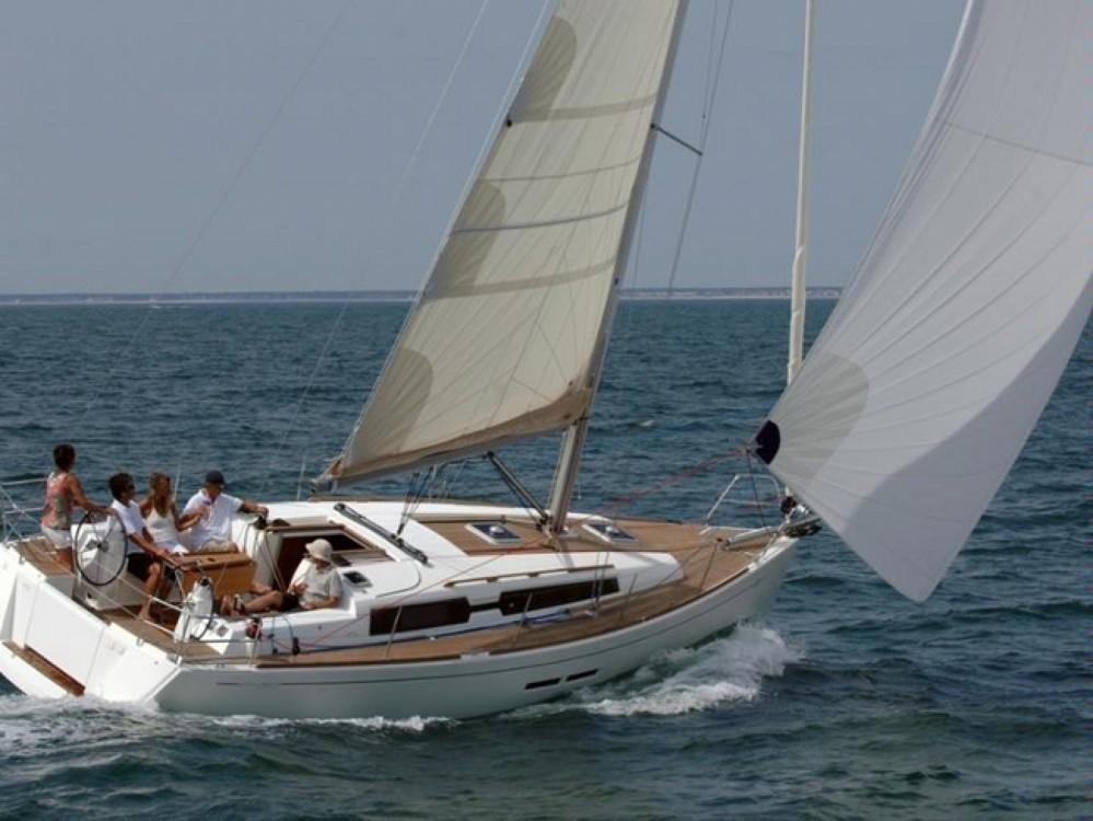 Location bateau Comté de Stockholm pas cher Dufour 375 Grand Large
