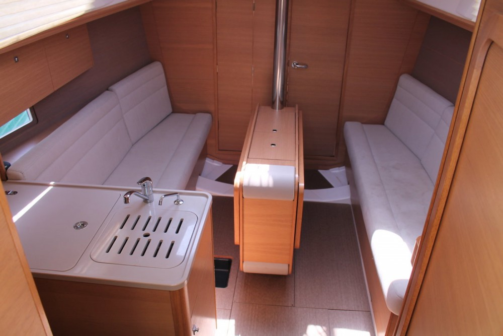 Rental Sailboat in Palermo - Dufour Dufour 310 Grand Large