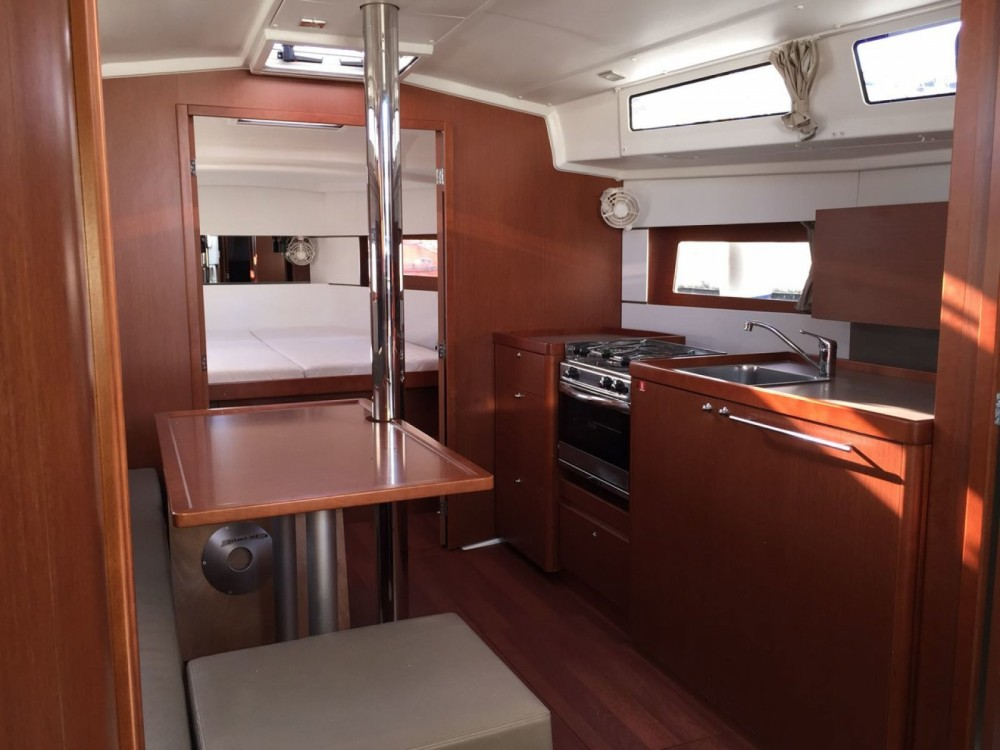 Bénéteau Oceanis 38.1 between personal and professional Palermo