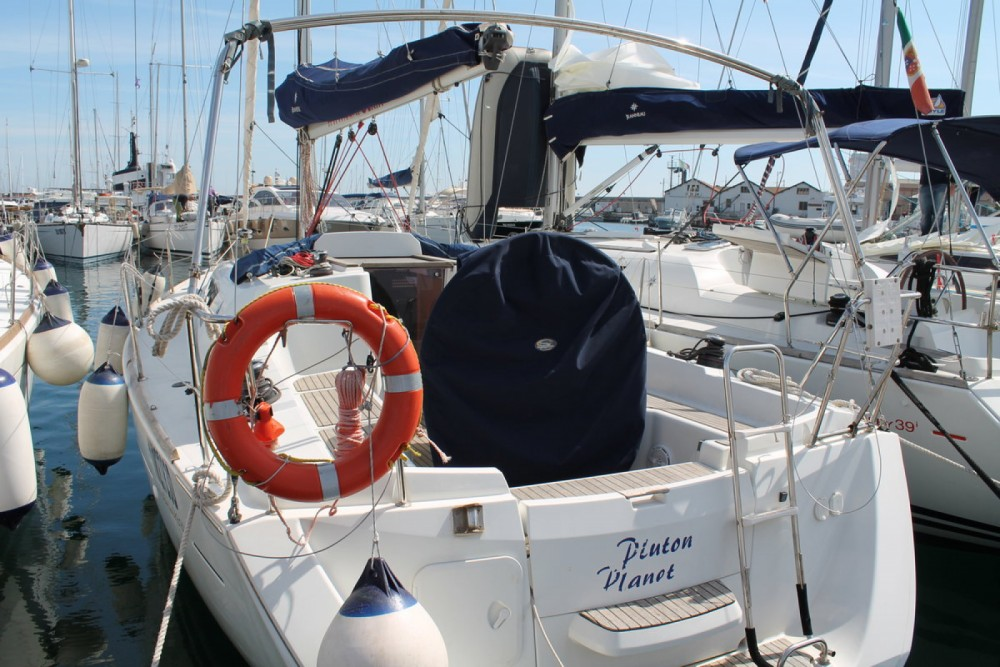 Hire Sailboat with or without skipper Jeanneau Marsala