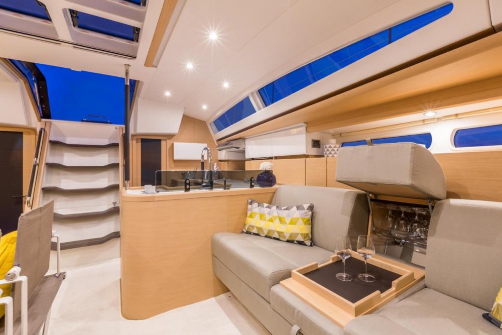 Boat rental  cheap Jeanneau 58