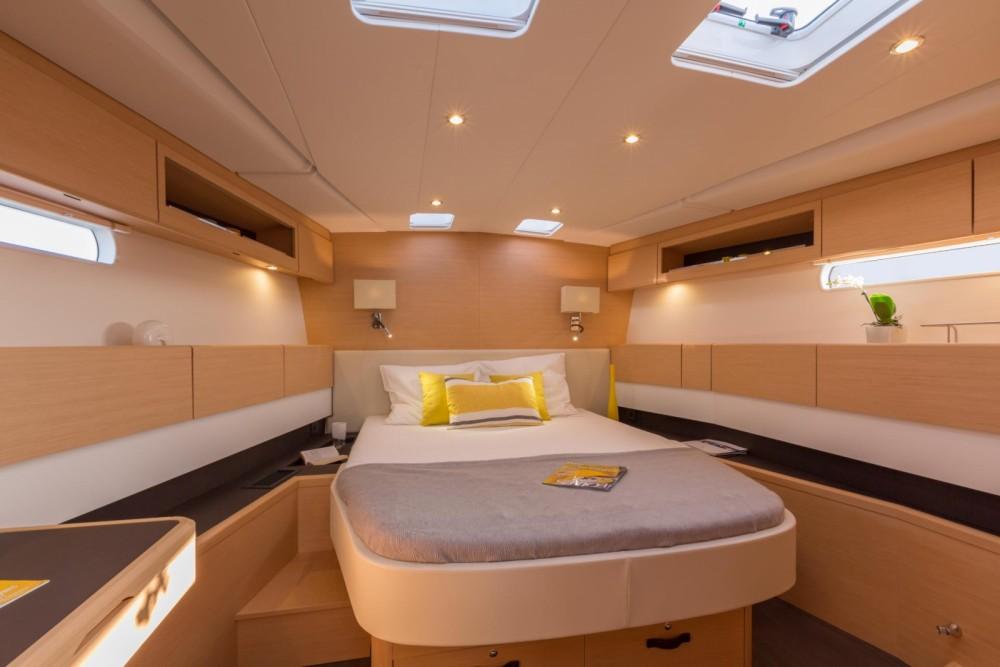 Boat rental Jeanneau Jeanneau 58 in  on Samboat