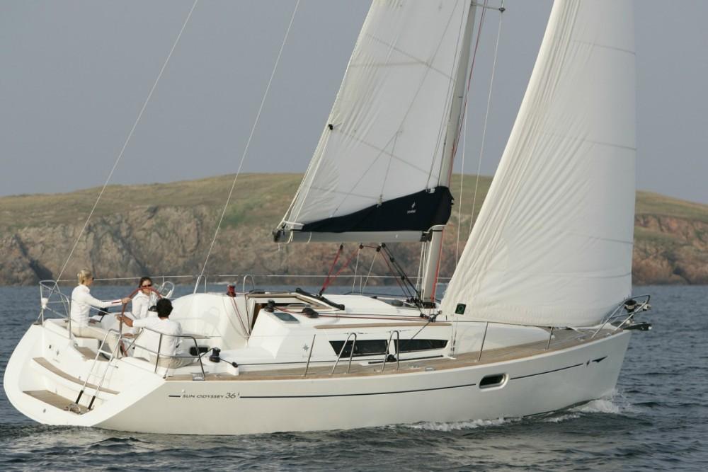 Boat rental Jeanneau Sun Odyssey 36i in Lefkada on Samboat
