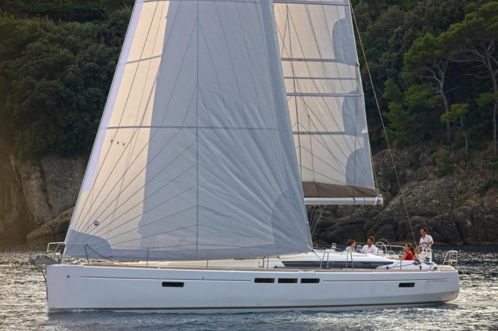 Boat rental Jeanneau Sun Odyssey 519 in Attica on Samboat