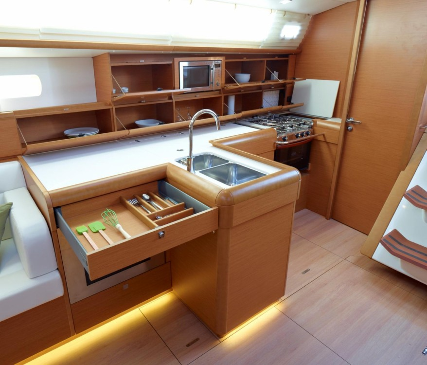 Hire Sailboat with or without skipper Jeanneau Attica