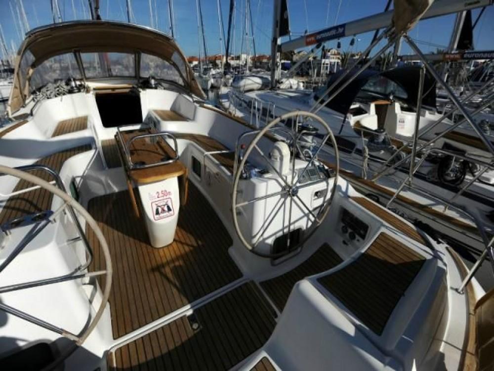 Boat rental Jeanneau Sun Odyssey 54 DS in Attica on Samboat
