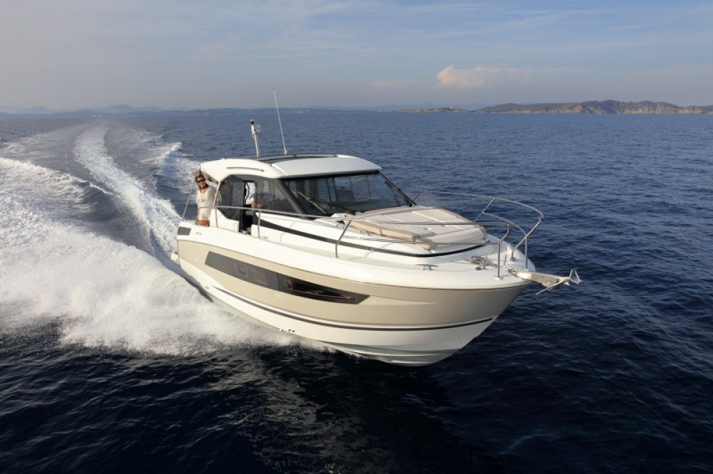 Boat rental Trogir cheap NC 33