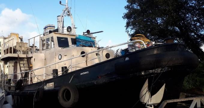Location bateau Remorqueur  250 cv à Lorient sur Samboat