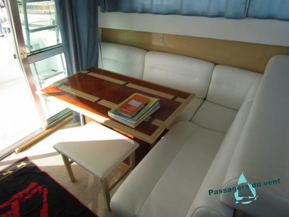 Alquiler Yates Mochi Craft con título de navegación