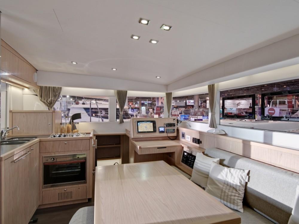 Boat rental Rodas cheap Lagoon 39