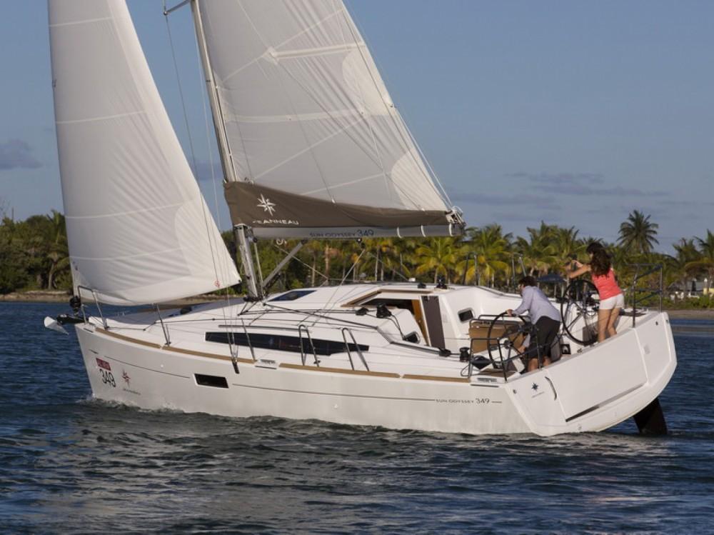 Boat rental Jeanneau Sun Odyssey 349 in ACI Marina Split on Samboat