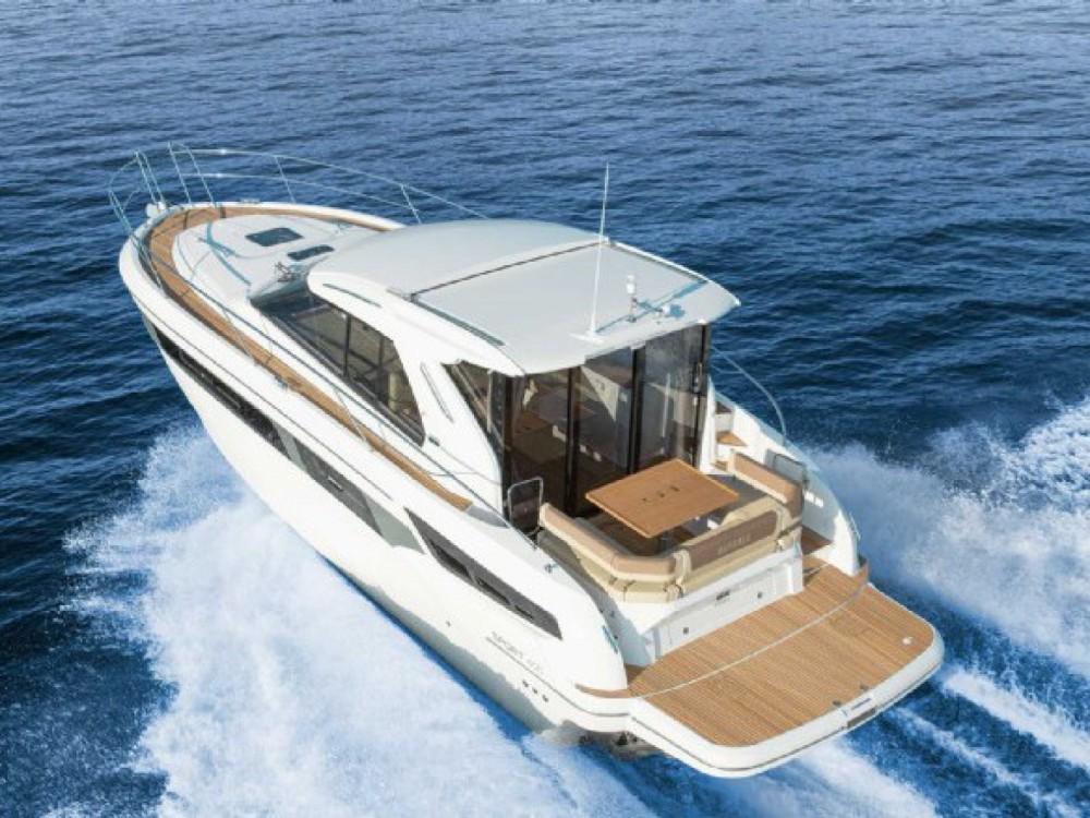 Boat rental Bavaria Bavaria 400 Coupe in Šibenik on Samboat