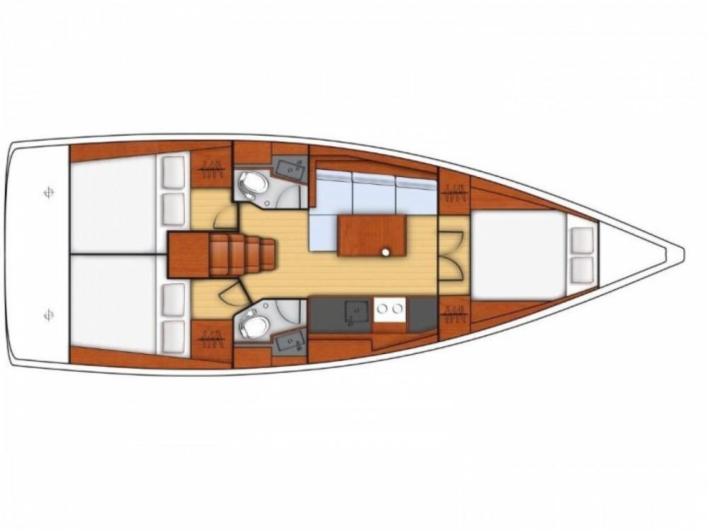 Location bateau Bénéteau Oceanis 38.1 à  sur Samboat
