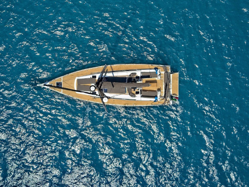 Boat rental Dufour Dufour 460 Grand Large in Castellammare di Stabia on Samboat