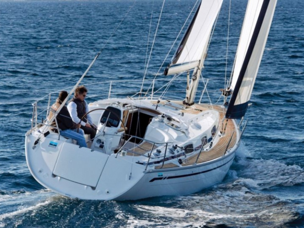 Boat rental Bavaria Cruiser 34 in Lavagna on Samboat