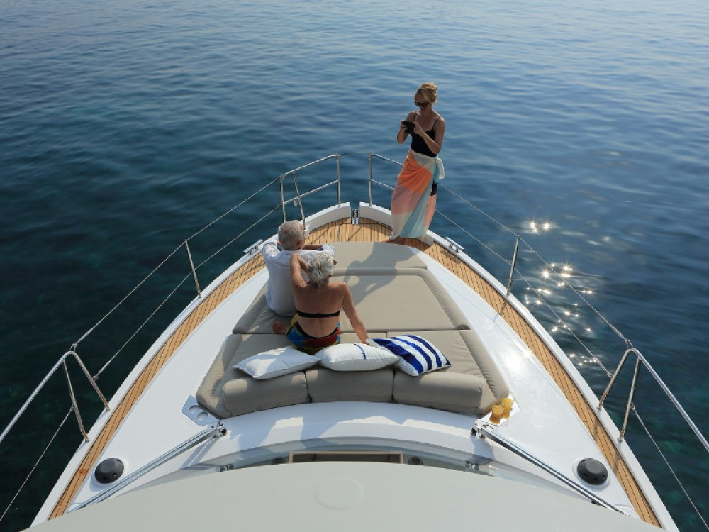 Hire Motor boat with or without skipper Bavaria Marina Kornati