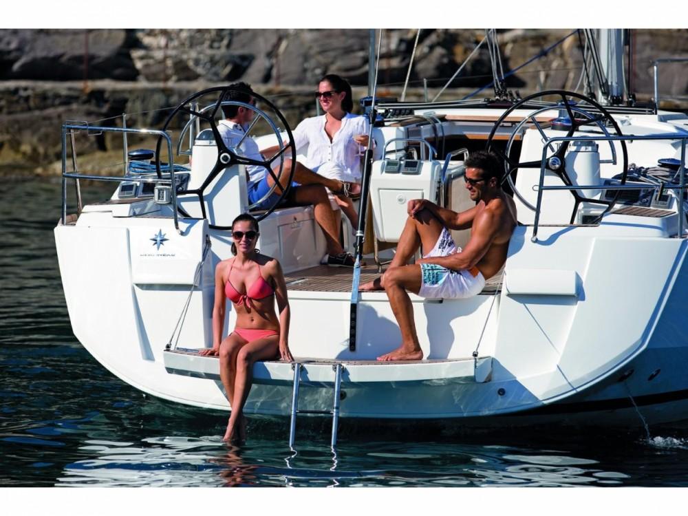 Rental yacht San Vincenzo - Jeanneau Sun Odyssey 519 on SamBoat