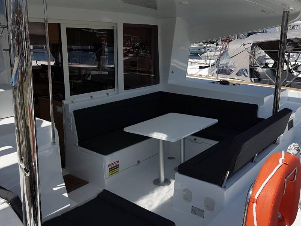 Rental yacht Alimos Marina - Lagoon Lagoon 400Lagoon 400 on SamBoat