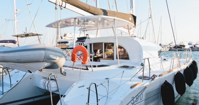 Location bateau Lagoon Lagoon 380 à Μαρίνα Αλίμου sur Samboat