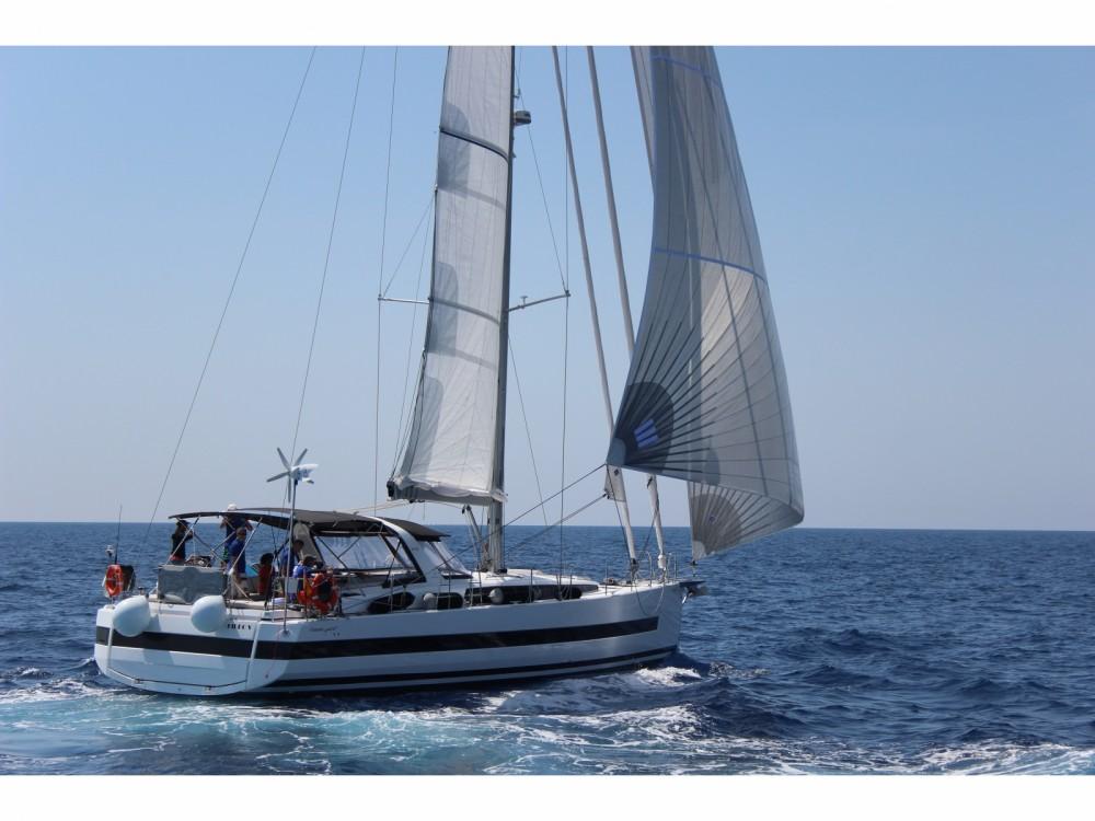 Rental Sailboat in Olbia - Bénéteau Beneteau Oceanis 62