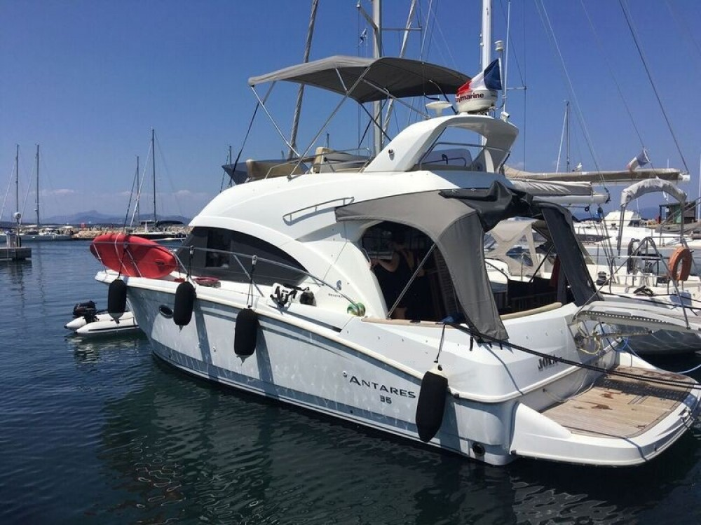 Bénéteau Beneteau Antares 36 Fly between personal and professional