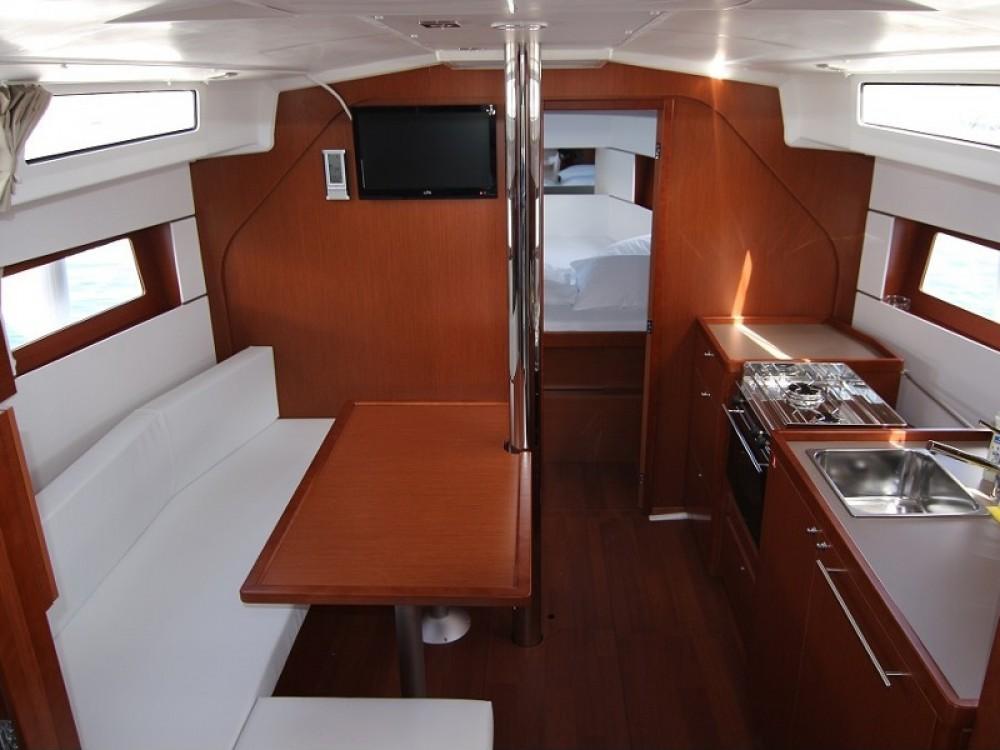 Rental yacht ACI Marina Dubrovnik - Bénéteau Oceanis 38.1 on SamBoat