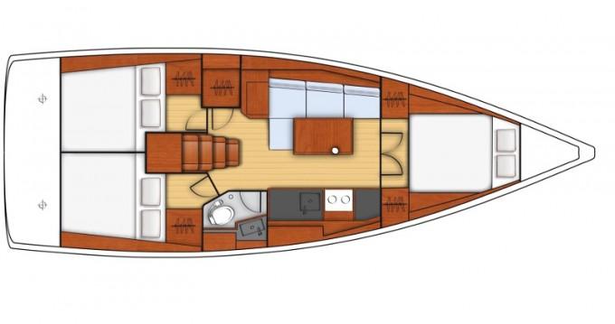 Bénéteau Oceanis 38.1 entre particuliers et professionnel à ACI Marina Trogir