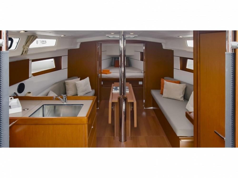 Rental yacht Cala dei Sardi - Bénéteau Oceanis 35.1 on SamBoat