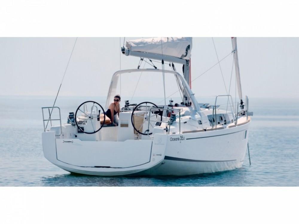 Location bateau Castiglioncello pas cher Oceanis 35.1