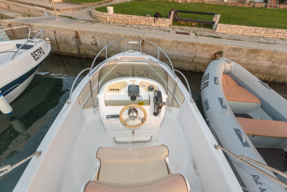 Motor boat for rent Vrsar at the best price