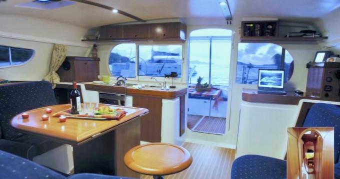 Louer Catamaran avec ou sans skipper Nautitech à Hell-Ville