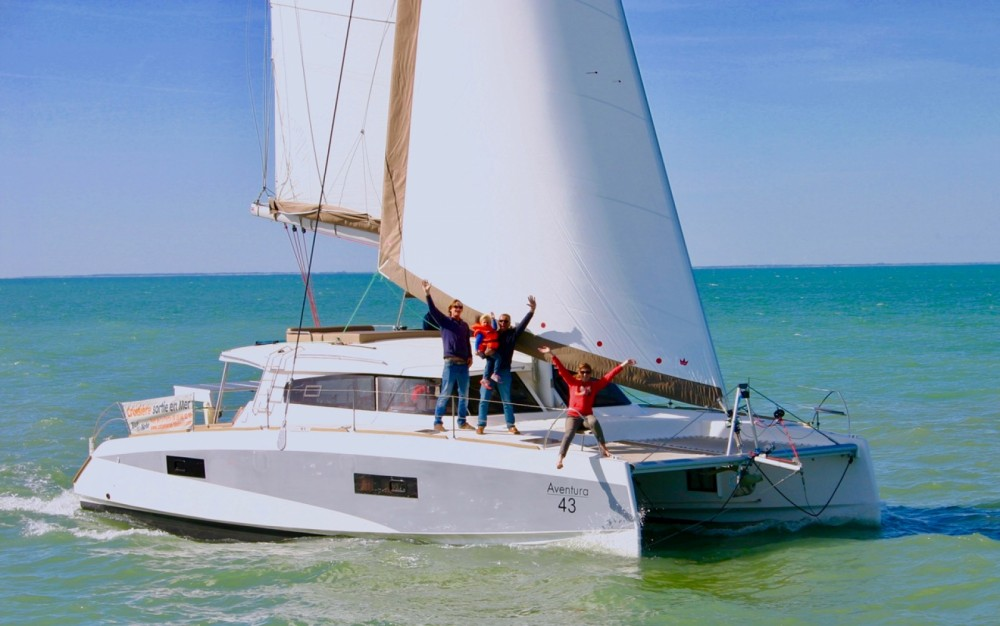 Catamaran for rent La Flotte at the best price