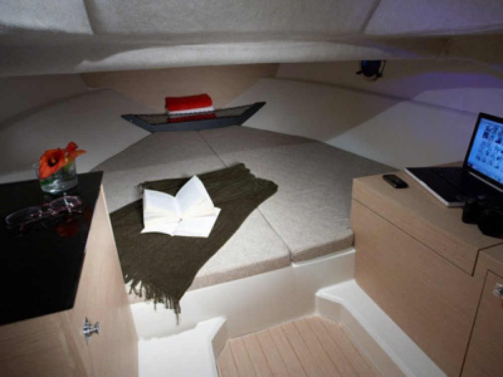 Louer Bateau à moteur avec ou sans skipper Sessa Marine à La Seyne-sur-Mer