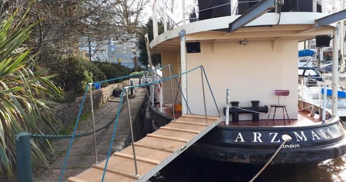 Location Yacht à Lorient - Remorqueur  250 cv