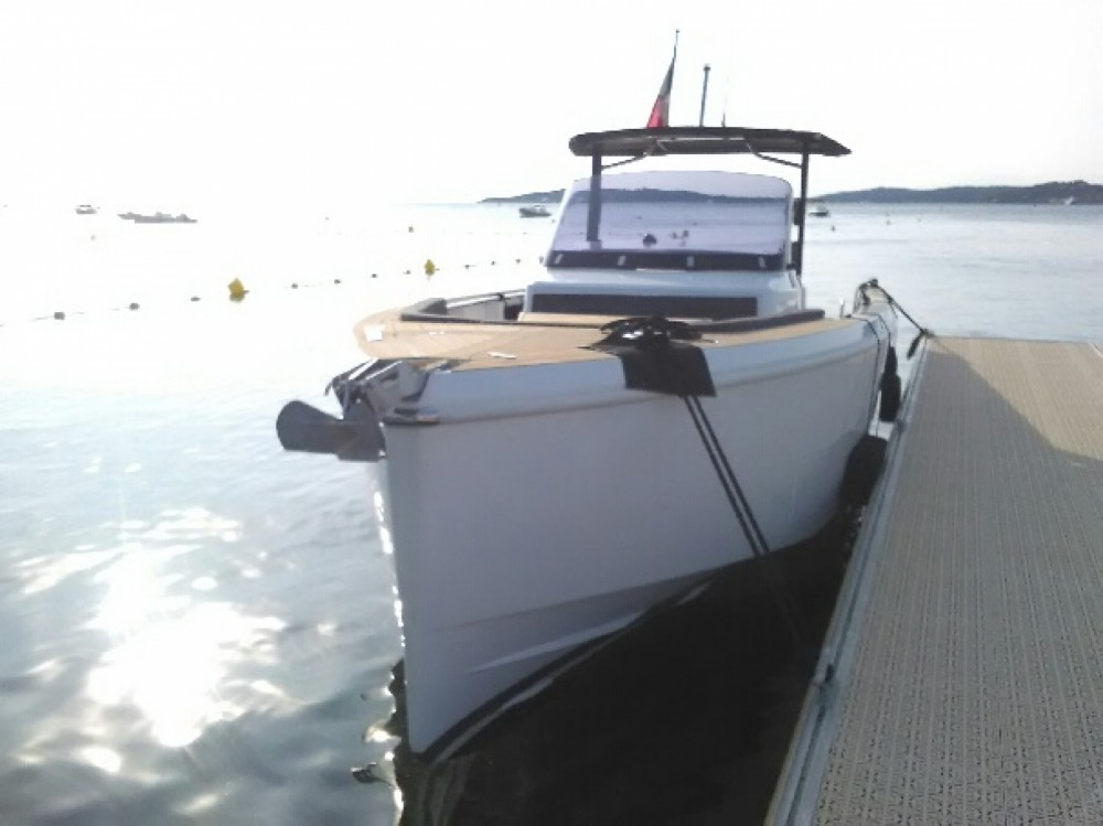 Location bateau Antibes pas cher Fjord 36
