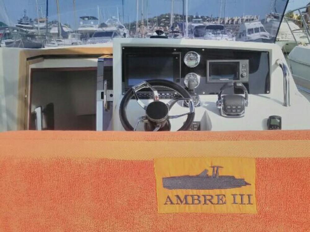 Location Bateau à moteur à Antibes - Fjord Fjord 36