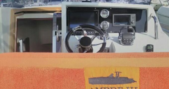 Louer Bateau à moteur avec ou sans skipper Fjord à Antibes