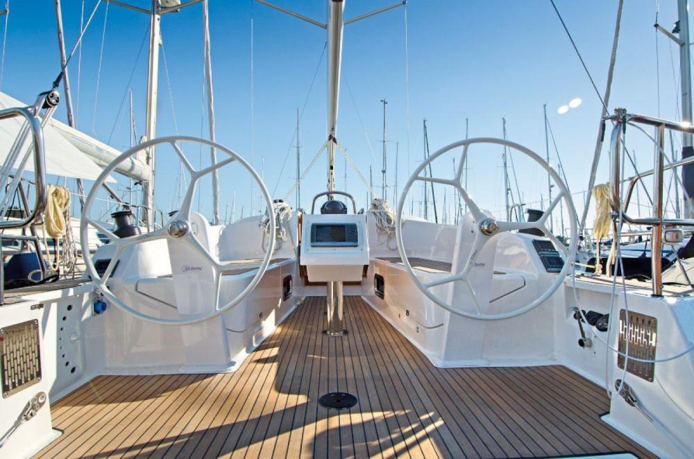 Rental yacht Split - Bavaria Cruiser 37 on SamBoat