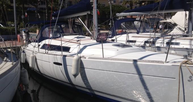 Rental yacht Bandol - Bénéteau Oceanis 37 on SamBoat