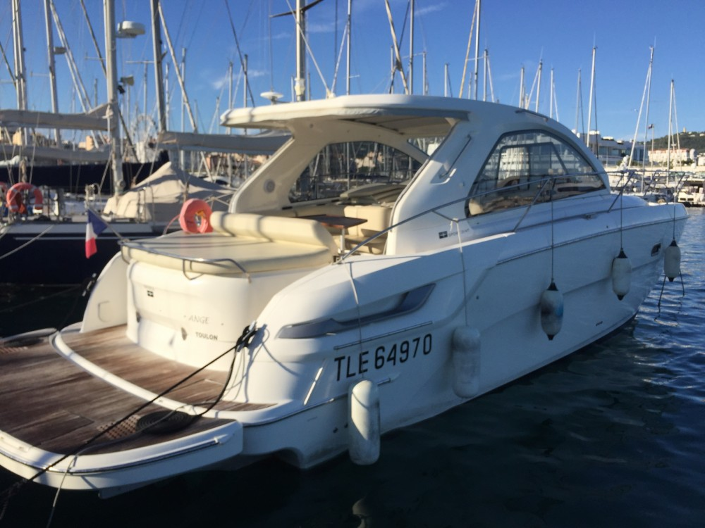 Bootverhuur Bavaria Bavaria 38 Hard Top in Cannes via SamBoat