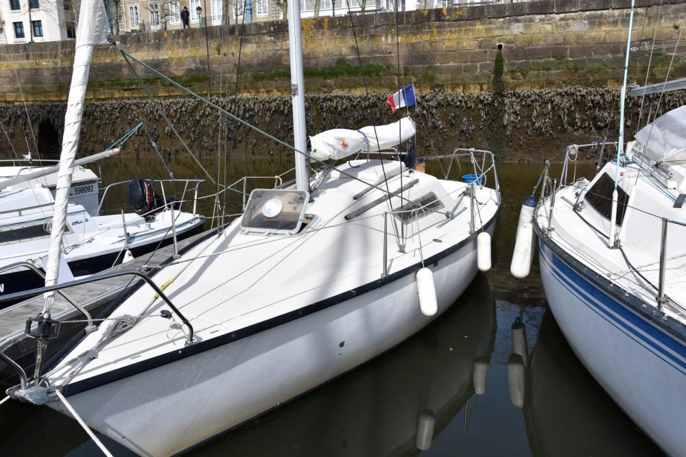 Bootverhuur Lorient goedkoop First 22
