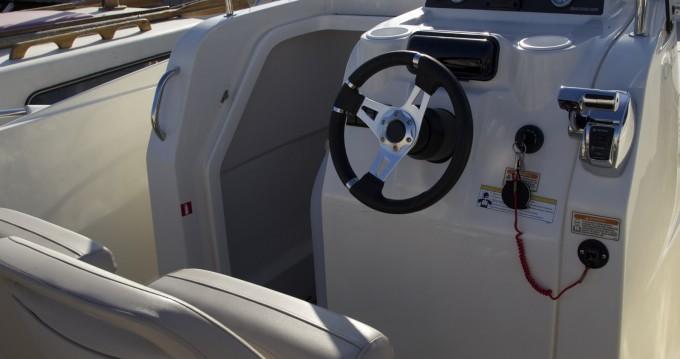 Location yacht à Agay - Quicksilver Activ 675 Open sur SamBoat
