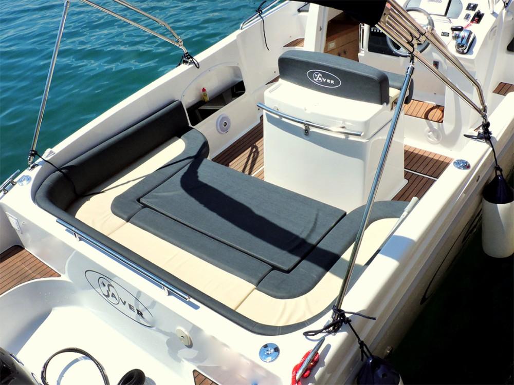 Location bateau Saver Saver 750 à  sur Samboat