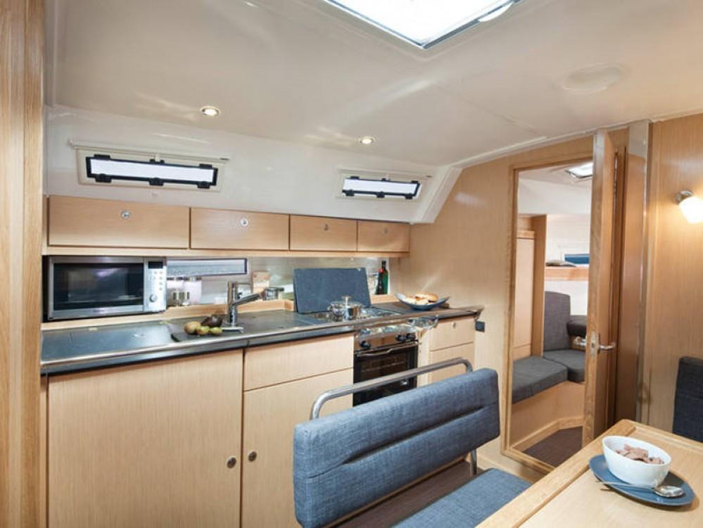 Rental yacht Marina Naviera Balear - Bavaria Bavaria Cruiser 40 on SamBoat