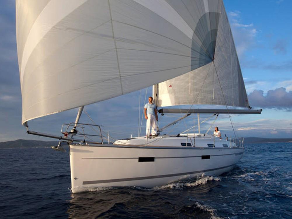 Boat rental De Fryske Marren cheap Bavaria Cruiser 36